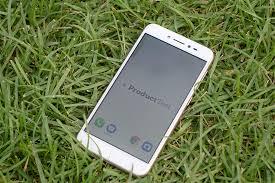 <b>Смартфон Asus ZenFone Live</b> ZB501KL: Обзор