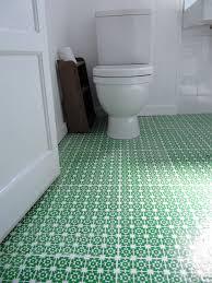 installing bathroom vinyl flooring