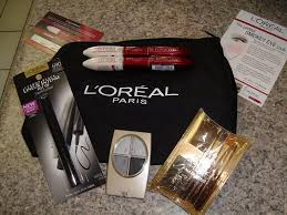 the l 39 oreal paris glam kit included makeup artiste travel brush set smokey eyes