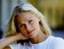 """Modellen Camilla Vest Nielsen er """"ekstremt lettet"""" efter frifindelse. Skat må i tænkeboks, mener forsvarer. - Camilla_Vest"""