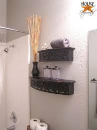 organize apartment bathroom