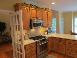 country kitchen paint kitchen cabinet paint colors two tone kitchen cabinet paint color