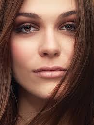 Pro Natural Looking Makeup & No Makeup Looks | <b>Bobbi Brown</b>