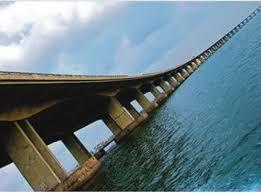 Nigerian police arrest man suspected of Lagos bridge bomb plot