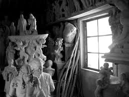 Storing <b>3D</b> Art <b>Pieces</b>, Statues, and <b>Delicate</b> Antiques - Museo Vault