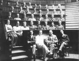 so what s new in the past the multiple meanings of medical black and white photograph of a group portrait of unidentified johns hopkins medical school graduating class