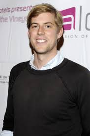 The 34-year old son of father Brian McMahon and mother Lin McMahon, 180 cm tall Andrew McMahon in 2017 photo
