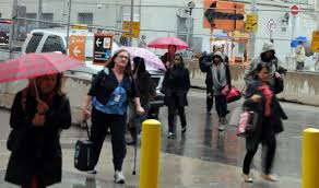 photo essay ttc rush hour jessica dempsey photo essay ttc 10