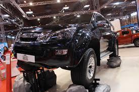 isuzu arctic truck at cv show commercial vehicle dealer isuzu arctic truck at cv show 2016