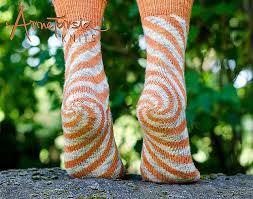Ravelry: Oaks Park Socks pattern by Anne Berk Красивые <b>носки</b>, но ...