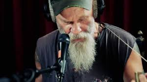 Studio Brussel: <b>Seasick Steve</b> - Keep On <b>Keepin</b>' On (live) - YouTube