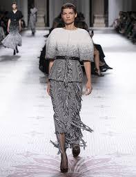 <b>Givenchy</b> FW19 <b>Haute Couture</b> show   <b>GIVENCHY</b> Paris
