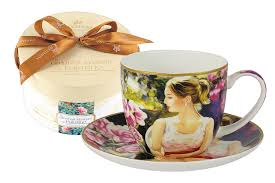 <b>Чашка с блюдцем Девушка</b> с книгой, в подарочной упаковке ...