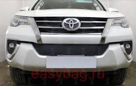 <b>Защита радиатора</b> Toyota Fortuner 2015- (6 частей) <b>черная верх</b> ...