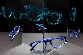 What Your Glasses Reveal About Your <b>Personality</b> | Reader's Digest