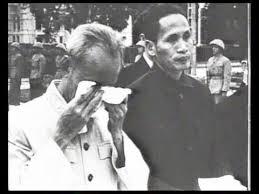 Image result for hình hồ chí minh khóc trong cải cách ruộng đất
