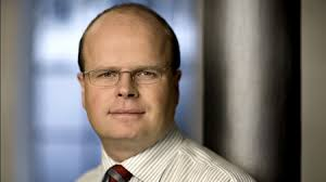 Kritikerne af regeringens afvisning af en EU-finansskat sætter nu spot på den rolle, PA-direktør i Finansrådet, Lars Nielsen, har spillet i sagen. - 10259