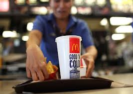 mcdonald s offering benefits to workers business insider mcdonalds