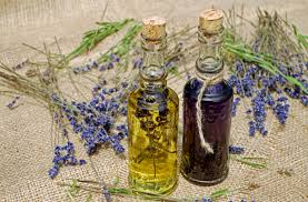 The difference between <b>essential oil</b> and <b>aroma</b> oil – Kemitron