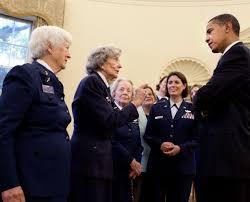 download hi res photo details president barack obama chats with wasp barak obama oval office golds