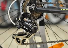 Задний <b>переключатель</b> скоростей велосипеда
