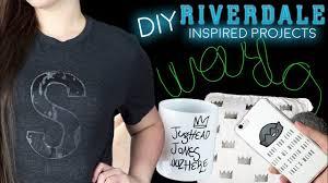 DIY Riverdale Decor l <b>T</b>-<b>Shirt</b>, LIGHT & MORE! - YouTube