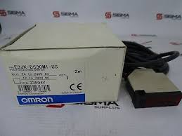 Omron E3JK-DS30M1-US <b>Diffuse Reflective</b> Photoelectric Switch 24 ...