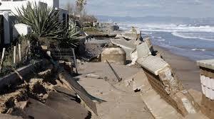 Resultado de imagen de fotos del temporal en laa playa de la Malvarrosa