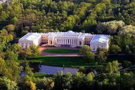 <b>Александровский дворец в Царском</b> Селе: описание