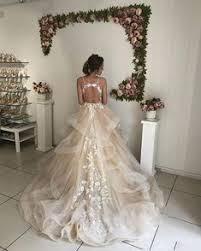 2020 的 <b>Light Champagne</b> 2019 Wedding Dresses <b>Lace</b> Appliques ...