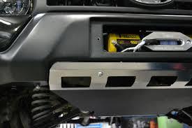 Силовой <b>передний бампер с</b> площадкой под лебедку Lada Urban