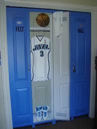 Locker Room Bedroom Closets Made To Look Like Lockers Great Sports Themed Room Idea