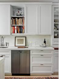 Kitchen Cabinet Bar Handles Kitchen Kitchen Handles On Shaker Cabinets With Carisbrooke