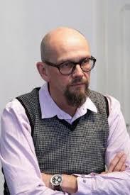 Der Bieler Bernhard Thomann ist 49 Jahre alt, bietet sofort das Du an, verschwindet in die Küche, um sich einen Kaffee zu holen, ... - 2253a2962bb67c9b0bd6220d1773d67e