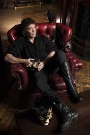 '<b>Wolflight</b>': <b>Steve Hackett</b> Discusses His New Solo Album and Genesis