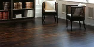 sàn gỗ chiu liu với giá sàn gỗ tự nhiên khá cao