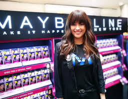 makeithappen liza liza soberano surprises fans as a belline during the makeithappen liza event liza gracefully entertained and interacted unsuspecting customers who were browsing the belline counter