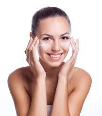 Советы по использованию <b>эмульсии</b> для кожи <b>лица</b>