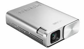 <b>ASUS</b> представила компактный <b>проектор ZenBeam E1</b>-011