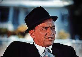 """Frank Sinatra gehörte """"The Sands"""" zu 90 Prozent. Als ein Türsteher ihn eines Abends nicht erkannte und ihm den Eintritt ins Casino verweigerte, ... - frank%2520sinatra%2520key2"""