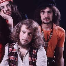 <b>Thick</b> is a Brick - <b>Jethro Tull</b> - Cifra Club