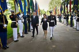 u s department of defense photo essay defense secretary chuck hagel and his wife lilibet receive an escort to join president