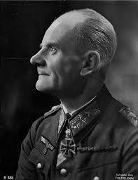 General der Infanterie <b>Karl-Wilhelm</b> Specht - Lexikon der Wehrmacht - SpechtKarlWilhelm_GLt_RK_EL_v_r_o_Muetze
