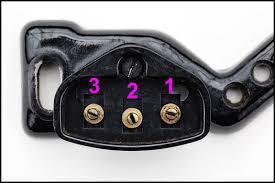wiring diagram for vintage singers oldsingersewingmachineblog picture of vintage singer sewing machine motor socket