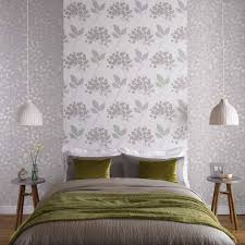 floral bedroom wallpaper theme