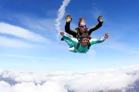 before you go skydiving what you need to know reader s digest make the most of your time in the air