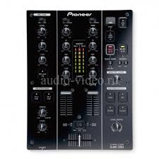 <b>DJ Микшерный пульт</b> PIONEER DJM-350 черного цвета