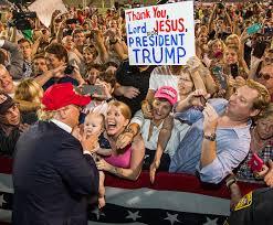 「トランプ氏は白人女性有権者からも支持を得た」の画像検索結果