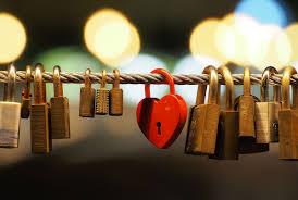 <b>Love</b> lock - Wikipedia
