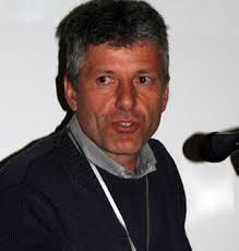 Andrea Iotti è un veterinario dedicato alla 'caccia'. degli ultimi esemplari rimasti della antica razza. « cornella bianca » un tempo diffusa nella sua - 051_0204_AndIotti_C1104